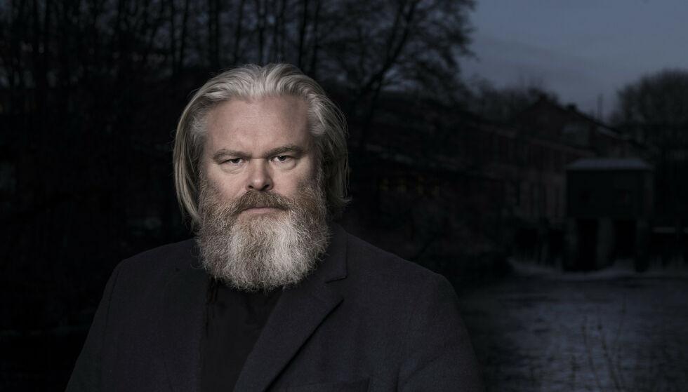 VANSKELIG SITUASJON: Artist Rein Alexander er en av tusenvis som har fått kjenne de økonomiske konsekvensene av coronakrisen. Så fant han en usedvanlig løsning. Foto: Ole Berg-Rusten / NTB Scanpix