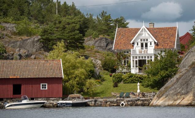 STEINSØYA: Arkitekt John Stoud Platous eiendom på Steinsøya har en prisantydning på 30 millioner kroner. Foto: Lars Eivind Bones / Dagbladet.