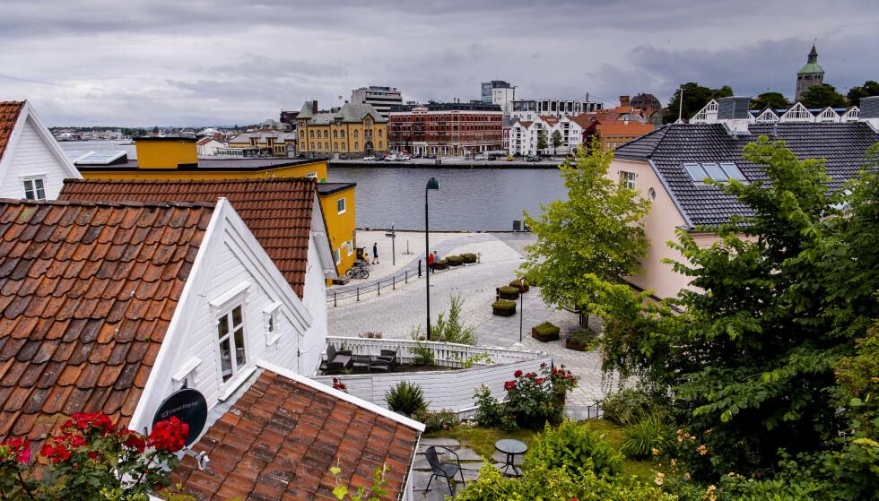 <strong>FOLKETOMT:</strong> I Gamle Stavanger er det tomt. Cruiseturistene er borte vekk, noe som går hardt utover næringslivet. Foto: Lars Eivind Bones / Dagbladet.