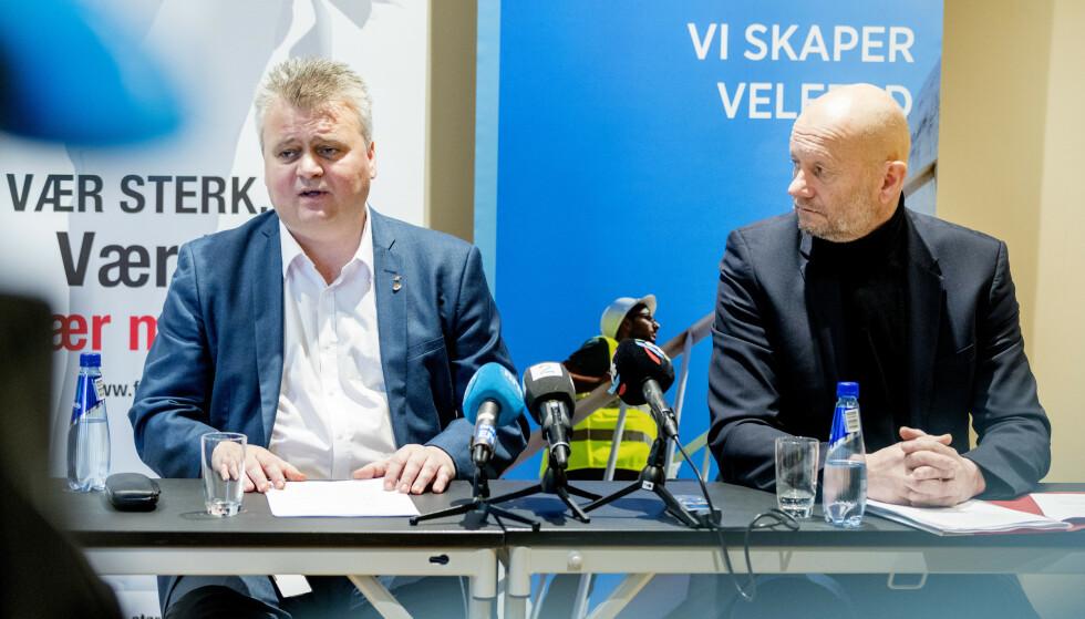 BRUDD: Administrerende direktør i Norsk Industri Stein Lier Hansen (t.h) og leder i Fellesforbundet Jørn Eggum under oppstarten av årets lønnsoppgjør. En drøy time etterpå brøt partene forhandlingene. Foto: Gorm Kallestad / NTB scanpix