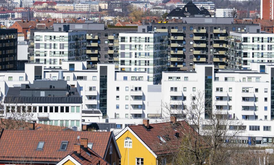 REKORDVOLUM: Det har aldri tidligere vært solgt så mange boliger i årets sju første måneder som nå. Foto: NTB scanpix