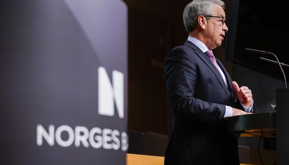 RENTE: Alle er enige om at Øystein Olsen og sentralbanken ikke rører styringsrenta denne gange. Derimot er det utviklingstrekk som tilsier at han kan kommer til å jekke opp rentenivået raskere enn signalisert tidligere. Foto: Fredrik Hagen / NTB scanpix