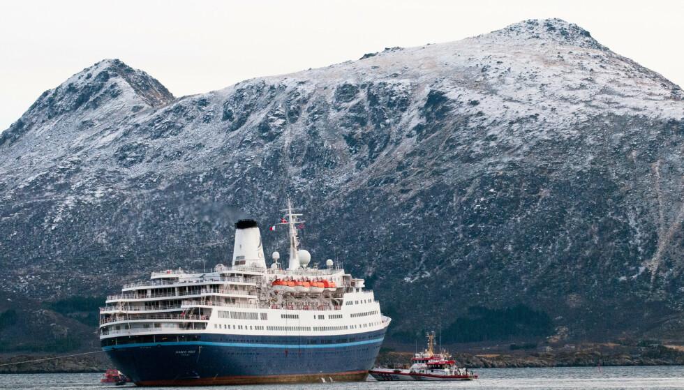 """HELT BORTE I SOMMER: Cruiseskipet """"Marco Polo"""" utenfor Gravdal i Vestvågøy i Lofoten en tidligere sommer. I år kom ingen av de 55 cruiseskipene som hadde meldt ankomst.  Foto: Ruben Larsen, NTB Scanpix."""