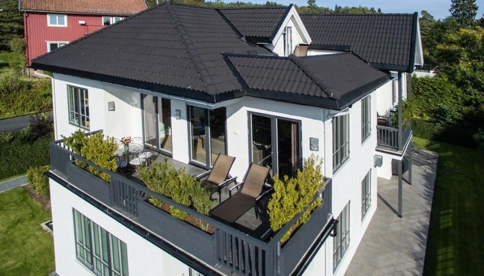 SKIFTER EIERE: Christian Thommesen og kona Cathrine har solgt leiligheten og flytter fra Vettakollen etter 11 år. Foto: Eiendomsfoto
