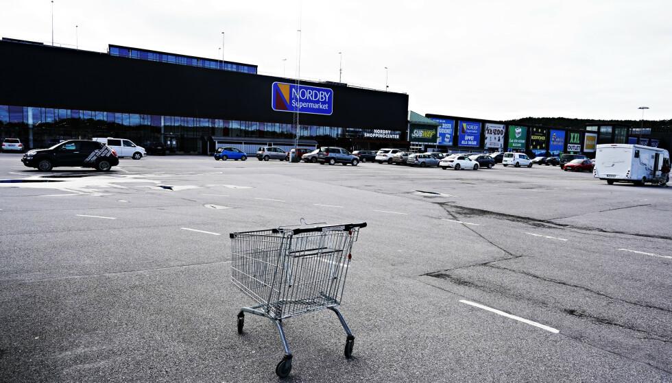 OPPSIGELSER: Selskapet Grensemat bekrefter at 96 personer mister jobben ved grensehandelen. Igjen står 250 ansatte, som foreløpig ikke blir berørt av oppsigelsene. Foto: John T. Pedersen / Dagbladet