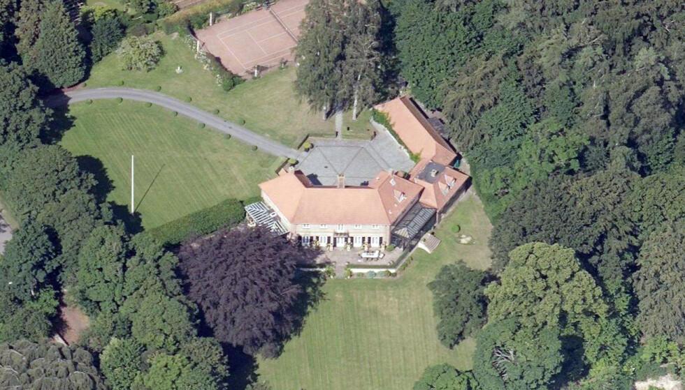 PUNGET UT: Den nye eieren, som foreløpig ikke er offentlig kjent, betalte 150 millioner danske kroner for denne luksuriøse eiendommen. Foto: Kortforsyningen / SDFE Skråfoto