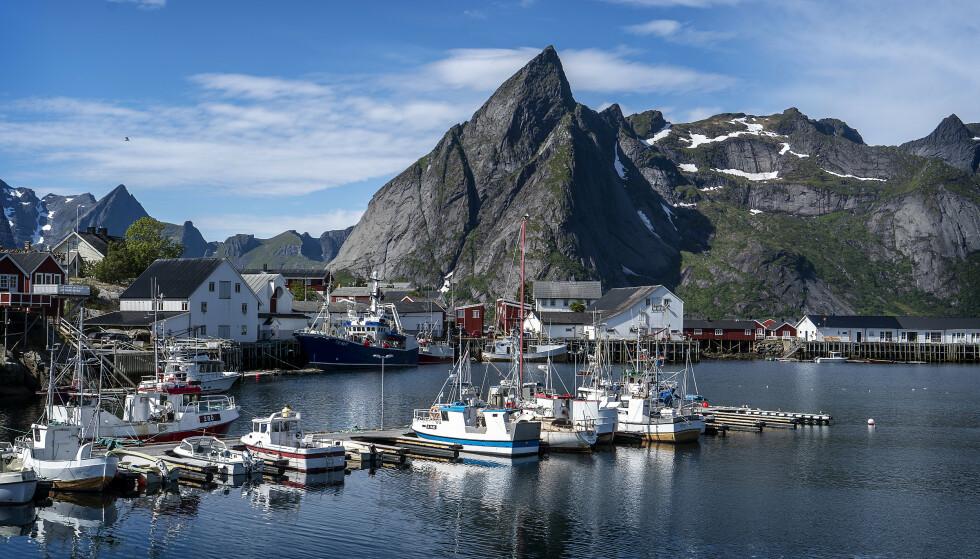 PERLE: Hamnøy ved Reine er en av mange perler i Lofoten. Den ligger i fred for turister fra utlandet. Foto: Hans Arne Vedlog