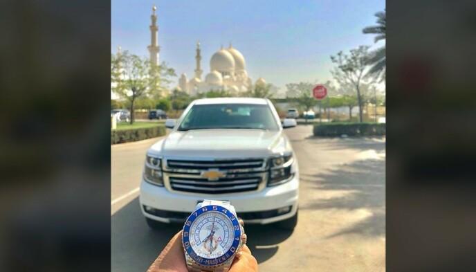 DYRE VANER: Her har en av de hovedmistenkte selv publisert et bilde av en Rolex Yacht-Master til en verdi av kanskje flere hundre tusen. Foto: Privat