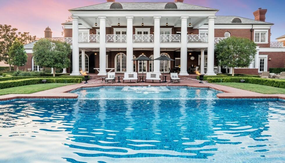 LUKSUSEIENDOM: Drøye 200 millioner kroner må du ut med hvis du vil kjøpe eiendommen til Wayne og Janet Gretzky. Foto: Jeremy Blair / The Luxury Level