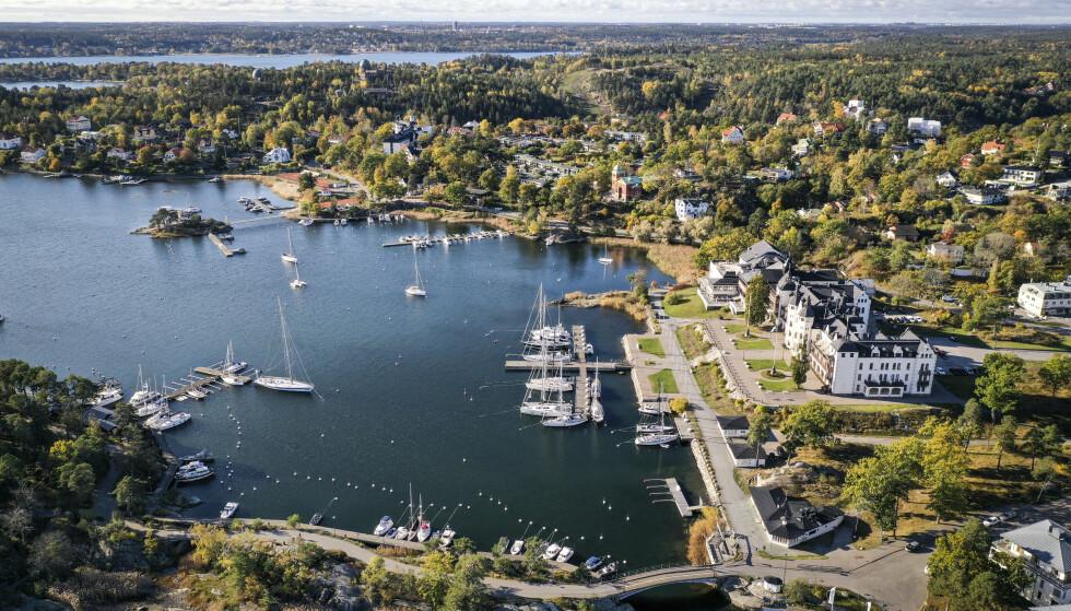 MILLIONVILLAER: Saltsjöbaden har fått et overklasserykte, i likhet med Djursholm, Danderyd og Lidingö. Foto: Alex Ljungdahl / Expressen
