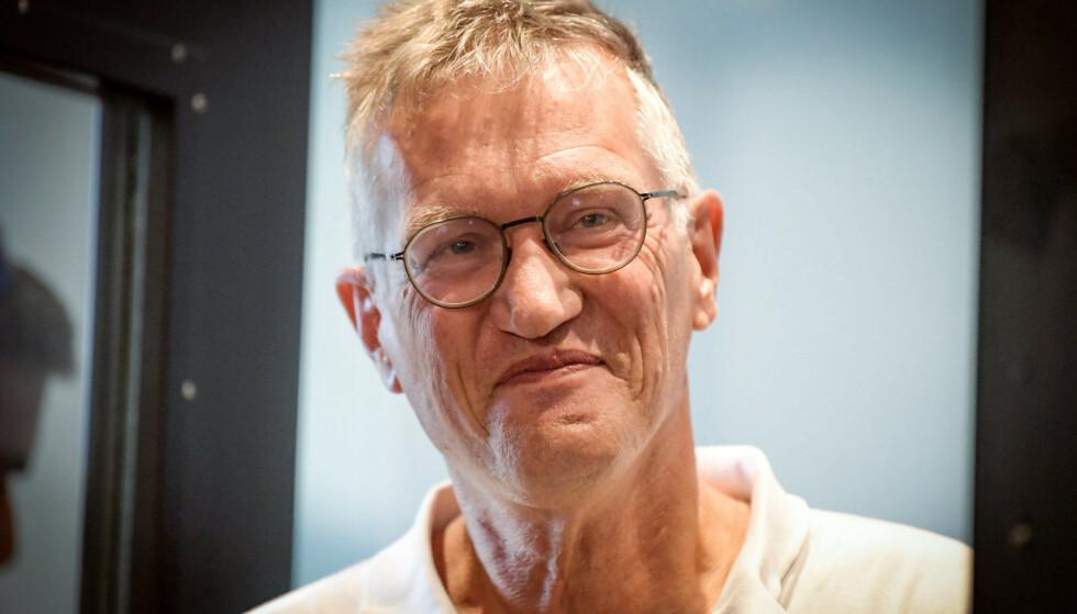 FÅR ROS: Statsepidemiolog Anders Tegnell er en omstridt mann, men strategien han har regissert får ros av banksjefer. Foto: Reuters / NTB