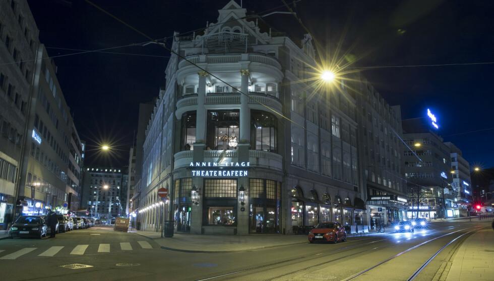 STENGES: Hotel Continental og serveringsstedene tilhørende hotellet stenger dørene i tre uker fra og med mandag. Foto: Terje Pedersen / NTB