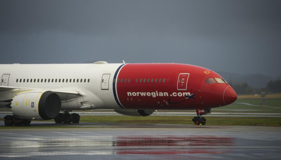 DYSTERT: Det er mørke skyer og dystre utsikter for Norwegian. Foto: Carina Johansen, NTB