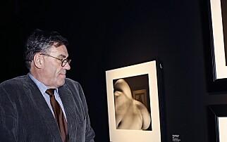 Sjokkerer venner med erotisk kunst