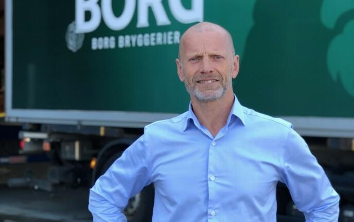 - IKKE EN REDNINGSPLANKE: Administrerende direktør i Hansa Borg Bryggerier, Lars Giil, frykter for framtida til flere av utelivskundene. Han mener at staten må ta ansvar. Foto: HBB