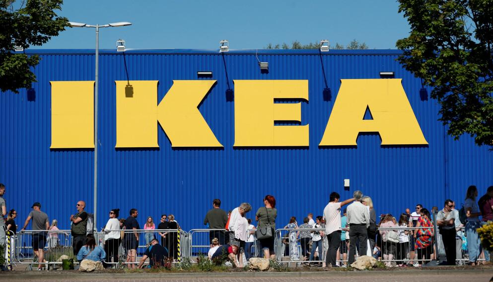 GIR ANDRE OPPGAVER: IKEA har ikke vurdert å permittere noen av sine ansatte. Foto: Lee Smith / Reuters.