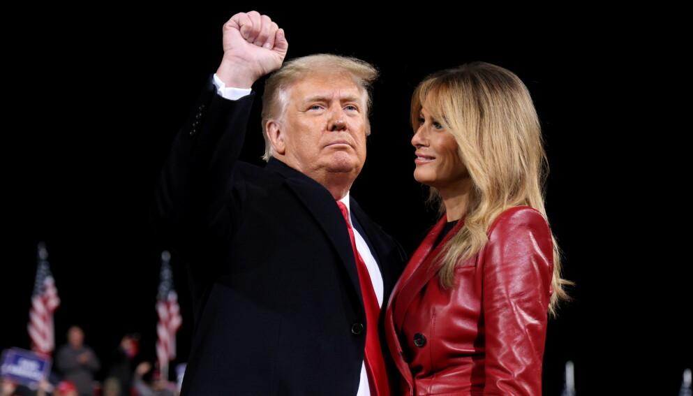 HAR FLYTTA: Donald Trump og førstedame Melania Trump må snart flytte ut av Det hvite hus, men da er det ikke New York, presidentens hjemby, de flytter til. Det er Florida. Foto: REUTERS / Jonathan Ernst / NTB