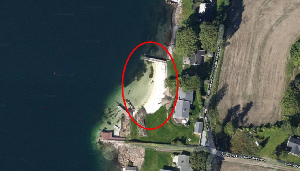 STRIDENS KJERNE: Den private sandstranda ved Morten Angelils luksushytte på Nøtterøy ble på et tidspunkt tilført skjellsand - som kommunen etter inspeksjon krevde fjernet. Foto: Google Maps