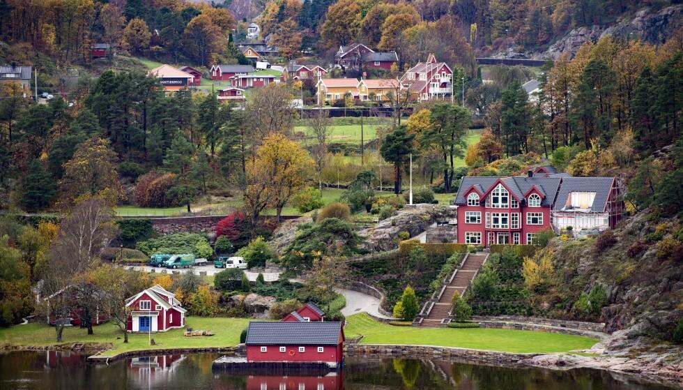 FIKK BEHOLDE: Einar Aas fikk beholde den flotte eiendommen i Grimstad. Alt annet har han måttet selge. Foto: John T. Pedersen / Dagbladet