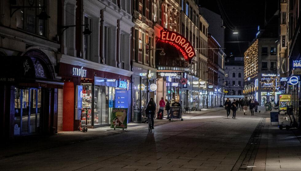 STILLE: Torggata i Oslo sentrum tilbyr vanligvis både pils, dansing og shopping. Foto: Nina Hansen