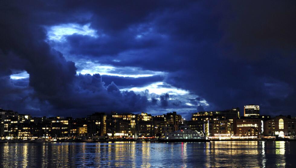 DYSTER UTSIKT: For en rekke norske næringer var 2020 et sorgens kapittel. Nytt kalenderår markerer nødvendigvis ikke en frisk og ny start. Ifølge ekspertene kan samfunnet stå overfor særdeles mørke skyer i horisonten. Foto: Odd Andersen / AFP / NTB