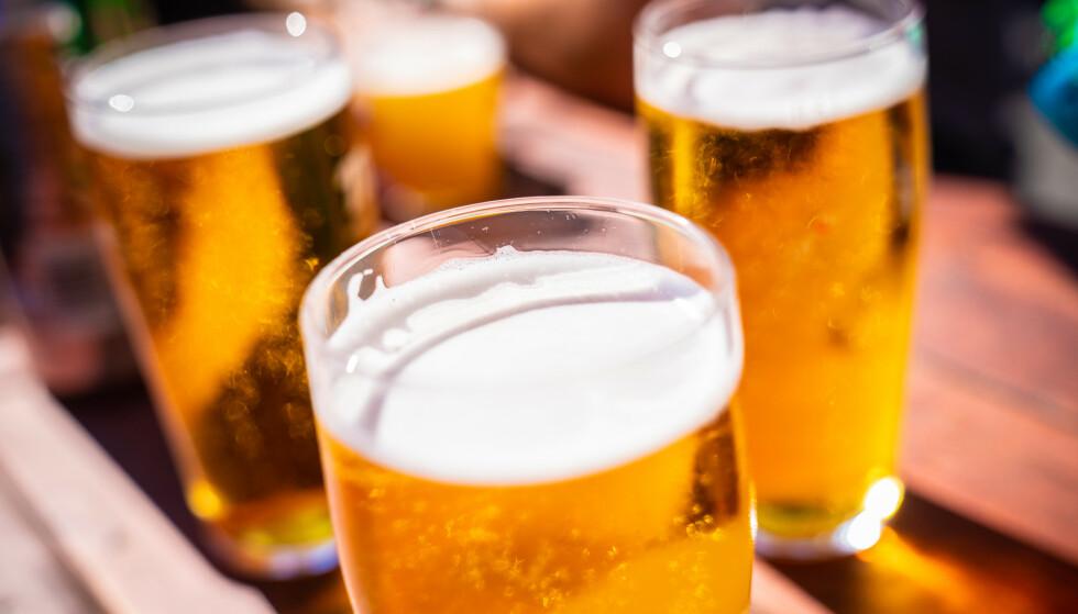 PILS: Det blir nå lov å skjenke øl noen steder. Foto: Stian Lysberg Solum / NTB