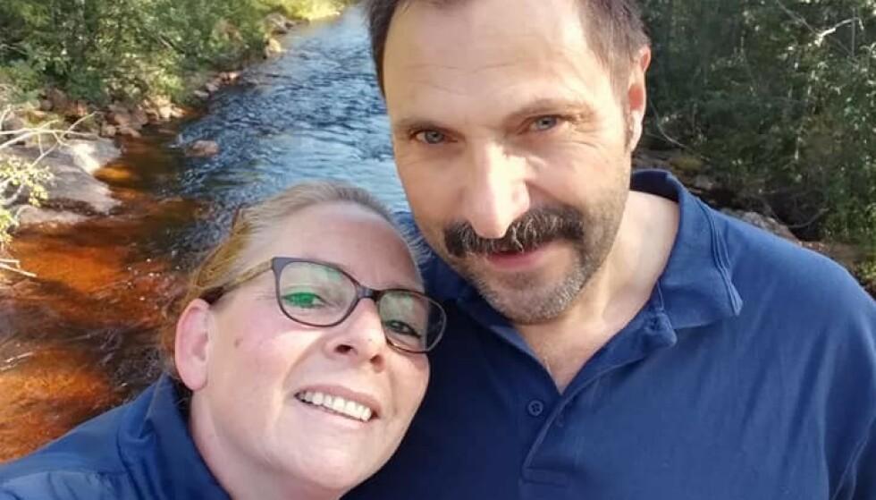 FLYTTET TIL NORGE: Det nederlandske ekteparet Yvonne og Lei Kievit bestemte seg for å prøve noe nytt og flytte til Norge for å ta over Fjonesundet. Foto: Privat