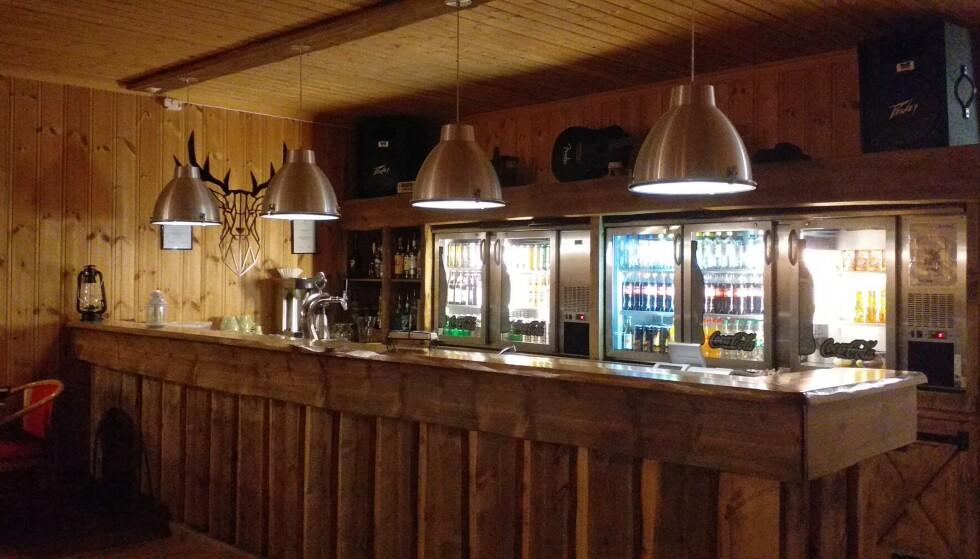 BAR: I denne baren vil det fra helga av være mulig å få kjøpt seg en øl igjen. Foto: Privat