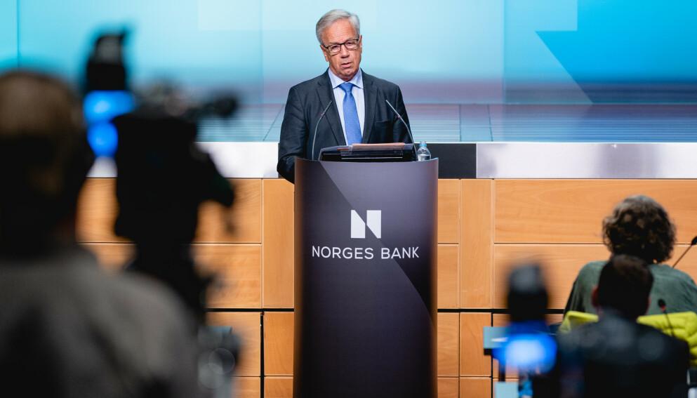 NULL: Sentralbanksjef Øystein Olsen tror styringsrenta vil bli holdt på null prosent en god stund framover. Foto: Stian Lysberg Solum / NTB