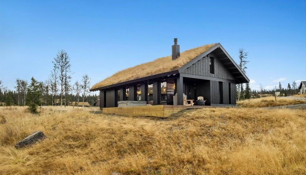 VILL PRIS: Denne 84-kvadratmeter store hytta på Hafjell ble solgt for 7 500 000 kroner, hele 800 000 kroner over takst. Foto: DNB Eiendom.