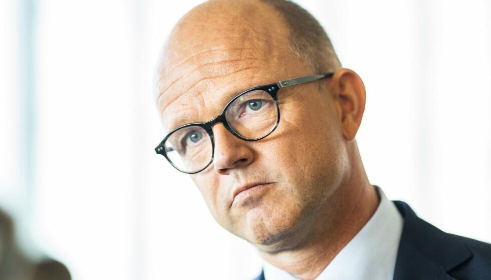 BEKYMRET: NHO-sjef Ole Erik Almlid frykter at mange bedrifter nå må permittere ansatte. Han gjentar kravene de har til regjeringen. Foto: Håkon Mosvold Larsen / NTB