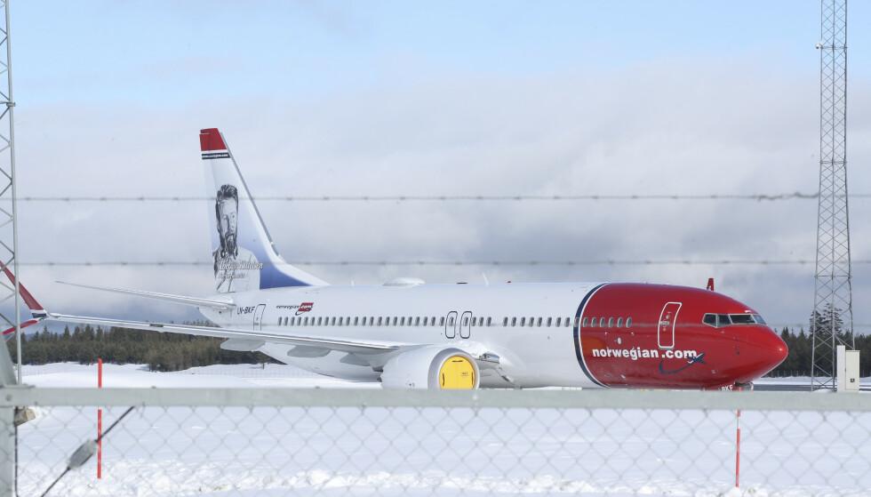 PÅ BAKKEN: 18 av Norwegians fly er Boeing 737 MAX 8, flytypen som onsdag fikk opphevet flyforbudet etter nesten to år på bakken. Om Norwegian vil fortsette å bruke disse flyene på lang sikt er derimot ikke avklart. Foto: Vidar Ruud / NTB