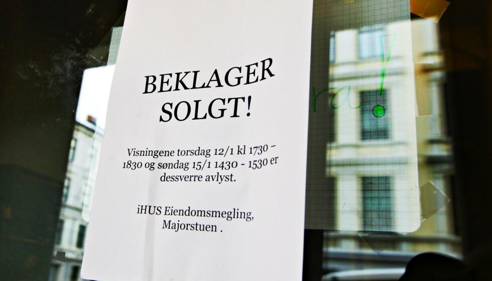 RISIKERER SMELL: Når det er rift om boligene, vil enkelte kjøpere prøve å ta en snarvei. Nå advarer boligtopp mot å gå på limpinnen. Illustrasjonsfoto: Rolf Øhman / NTB