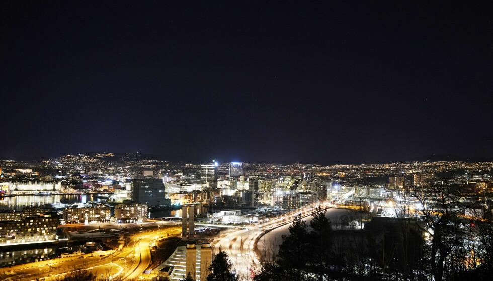 NEDSTENGT: Oslos restauranter og uteliv sliter kraftig under nedstengningen. Inkassotopper frykter at det kommer en voldsom konkursbølge over sommeren. Foto: Cornelius Poppe / NTB