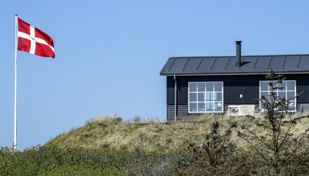 FERIEFAVORTT: Danmark er for mange nordmenn et ettertraktet land å tilbringe sommerferien i. Foreløpig har bestillingen av sommerhus gjort av nordmenn, latt vente på seg. Det kan by på utfordringer. Foto: John Randeris / NTB