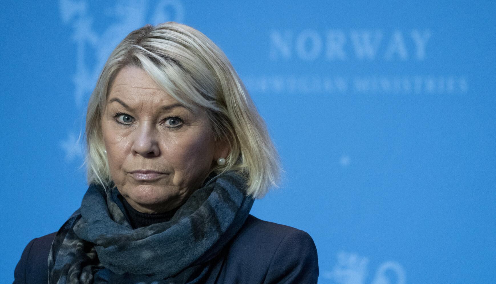 ALVORLIG: Justis- og beredskapsminister (H) Monica Mæland mener det er «veldig alvorlig» om nordmenn ikke følger reglene som gjelder. Foto: Terje Pedersen / NTB