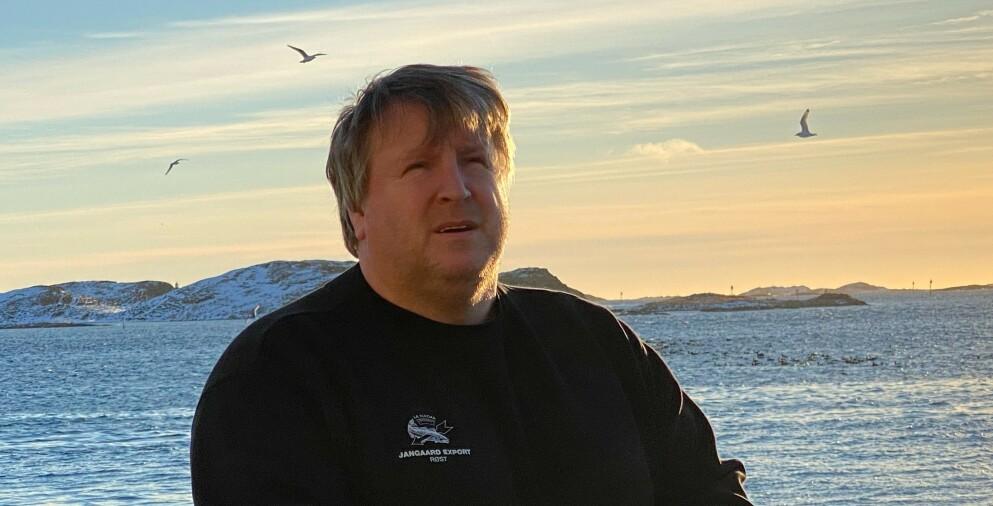 KOMPETANSE: Sjefen hos fiskeriforedleren Jangaards avdeling Røst sliter når grensa er stengt. - En som meldte seg kunne ikke starte på jobb før 11 på formiddagen, en annen ville bare jobbe helg, forteller han. Foto: Privat