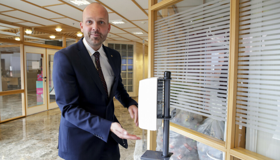 VIL GJENÅPNE: Sarpsborgs ordfører Sindre Martinsen-Evje er klar for å gjenåpne kjøpesentre og treningssentre. Foto: Vidar Ruud, NTB.