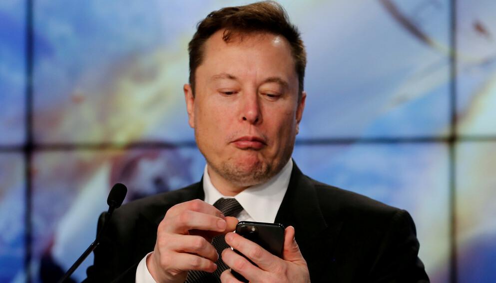 TWITTER-INVITASJON: Verdens rikeste mann, Elon Musk, ønsker seg en prat med Russlands mektige president Vladimir Putin. Foto: Joe Skipper / Reuters