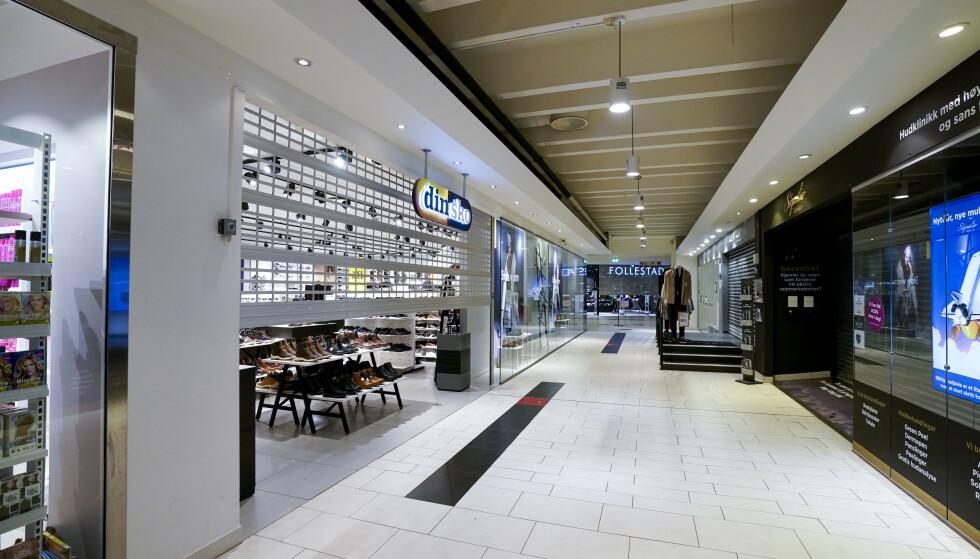 STENGT: Strømmen storsenter var et av kjøpesentrene som ble rammet av nedstengningen. Foto: Lise Åserud / NTB