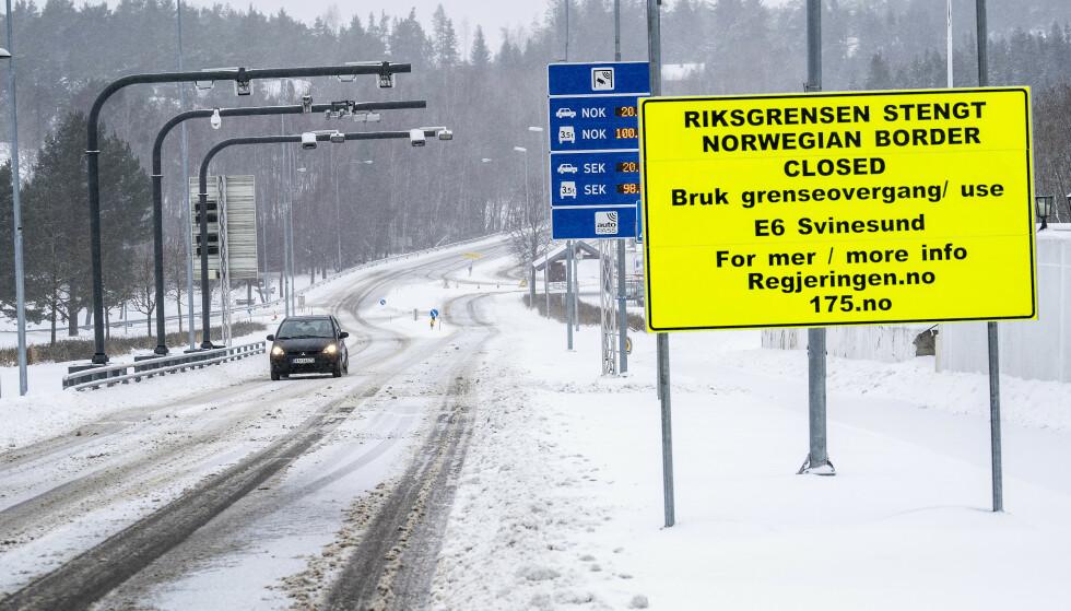 KRITISK: Den norske grensen er stengt, men unntak av kritiske varer og tjenester. Foto: Hans Arne Vedlog / Dagbladet