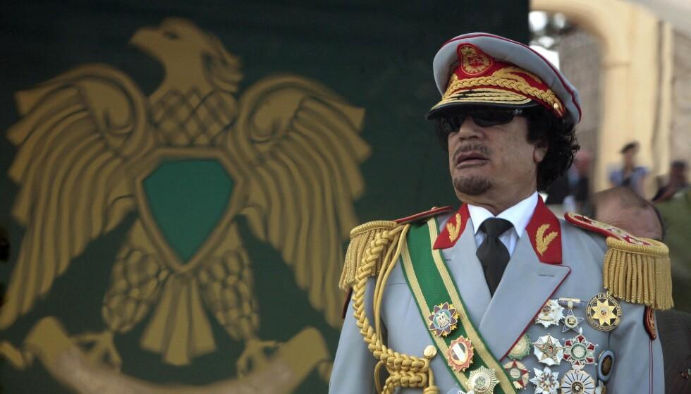 DIKTATOR: Oberst Muammar Gadaffi styrte Libya med jernhånd i fire tiår. Fortsatt er det uklart hva som skjer med presidentflyet hans, snart ti år etter hans død. Foto: Zohra Bensemra / Reuters