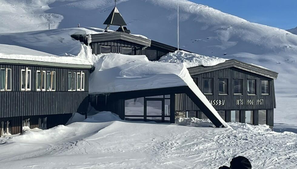 STÅR TOM: I løpet av en normal vintersesong har Leirvassbu turisthytte 5000 gjester, ifølge Sulheim.