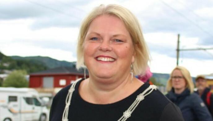 HVORFOR?: Ordfører Solveig Vestenfor i Ål i Hallingdal hadde håpet at de kunne ha ulike tiltak ulike steder. Sånn ble det ikke. Foto: Steinar Saghaug / Ål kommune