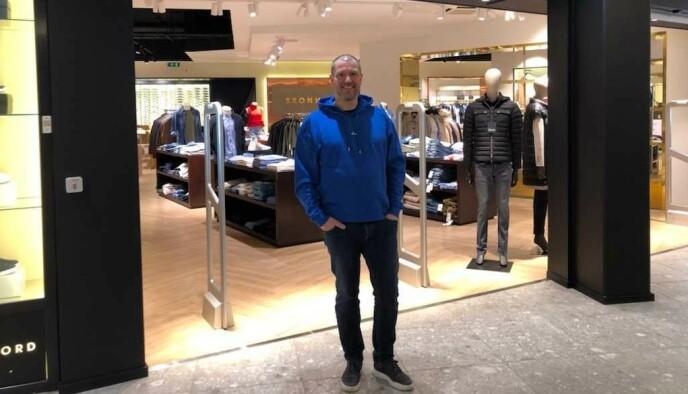 STENGT: Ole Henrik Bacher har igjen måttet stenge klesbutikken sin på Ski storsenter. Foto: Privat
