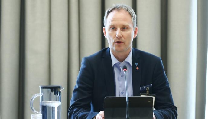 BEKYMRET: Remi Solberg (Ap), ordfører i Vestvågøy og leder i Lofotrådet, er bekymret for at smitten skal gå fra null til mye innen kort tid. Foto: Terje Pedersen / NTB