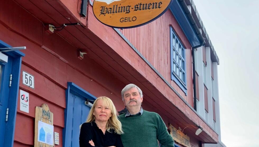 MISTER MINST TO PÅSKEMILLIONER: Berit Kongsvik og Frode Aga har drevet Hallingstuene i 32 år. Foto: Jostein Sletten / Dagbladet.
