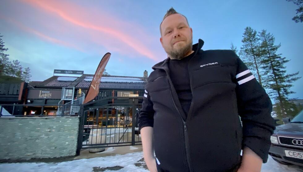 VINTERSESONGEN ER OVER: 90 prosent omsetningstap denne vinteren i forhold til et normalår, oppsummerer en påsketrist eier Tommy Åsheim på Restaurant Laaven i Trysil. Foto: Lars Eivind Bones / Dagbladet.