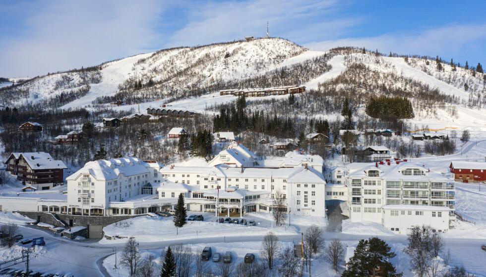 FJELLPALASS: I 1988 ble en del av Dr. Holms Hotel gjort om til luksusleiligheter. Hotellet kan skilte med gangavstand til sentrum og til alpinbakken. Foto: Pål Harald Uthus