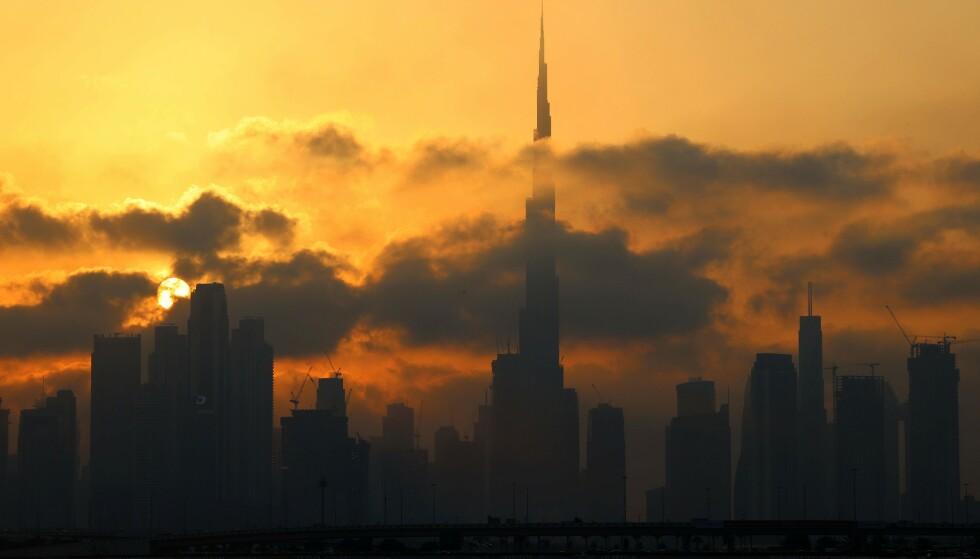STRENGT: I Dubai kan det vente strenge straffer for såkalt utuktig oppførsel. (Photo by Giuseppe Cacace / AFP / NTB